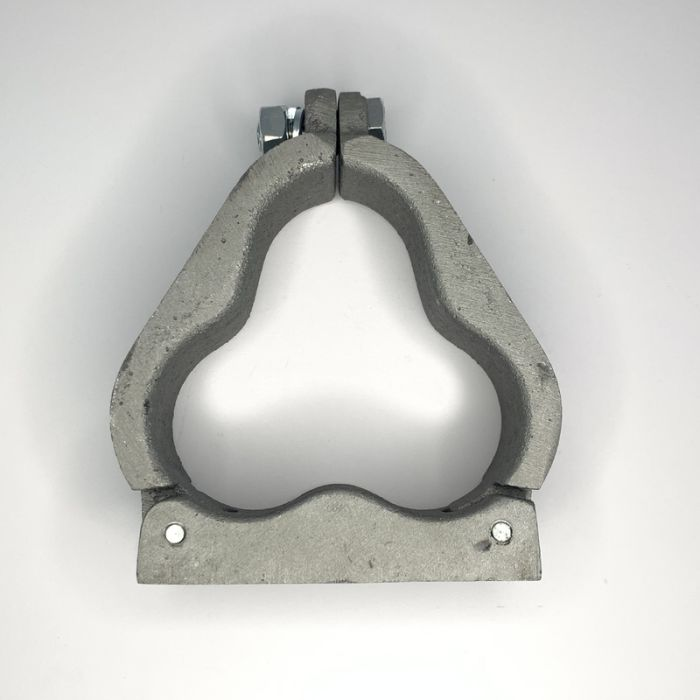 Single Hole Aluminium Trefoil Cleat 73 - 74.5MM